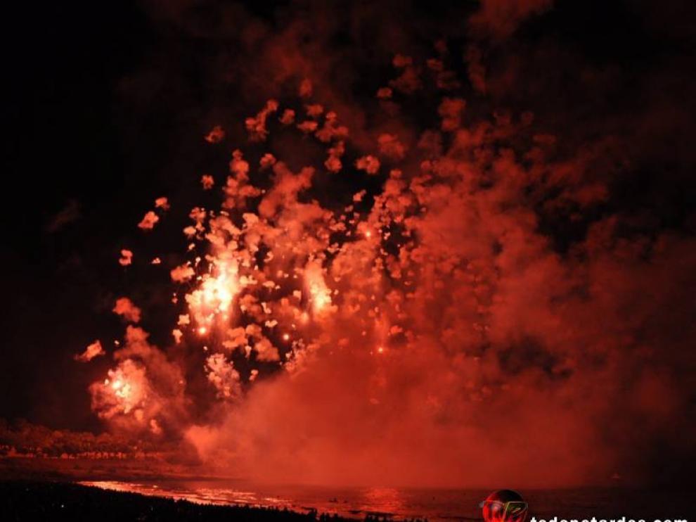 Momento del espectáculo que Pirotecnia Zaragozana desplegó en Tarragona.