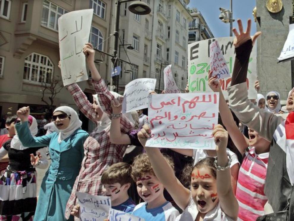 Manifestación contra el presidente sirio