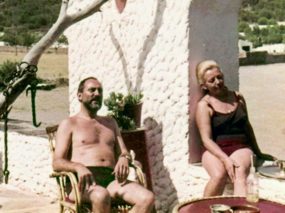 El doctor Hans Schilling y su mujer Marketta, en la terraza de El Bulli en los años 60.