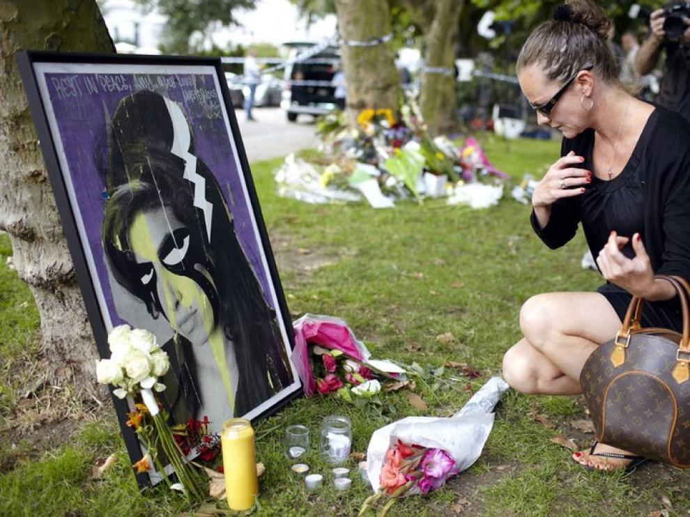 Homenaje particular en Londres a la cantante fallecida Amy Winehouse