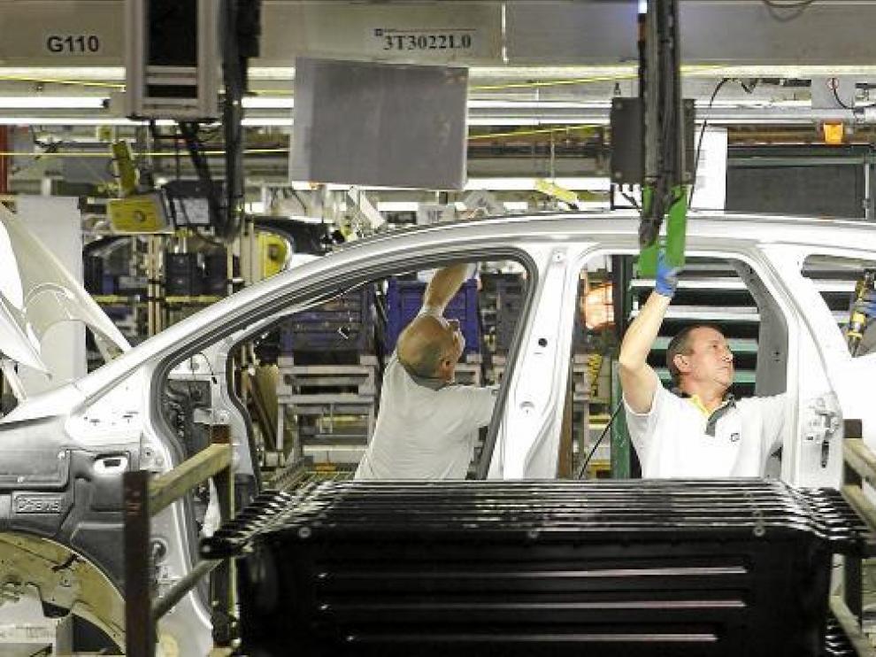 Imagen de 2010 de la cadena de montaje de la fábrica de GM en Figueruelas.