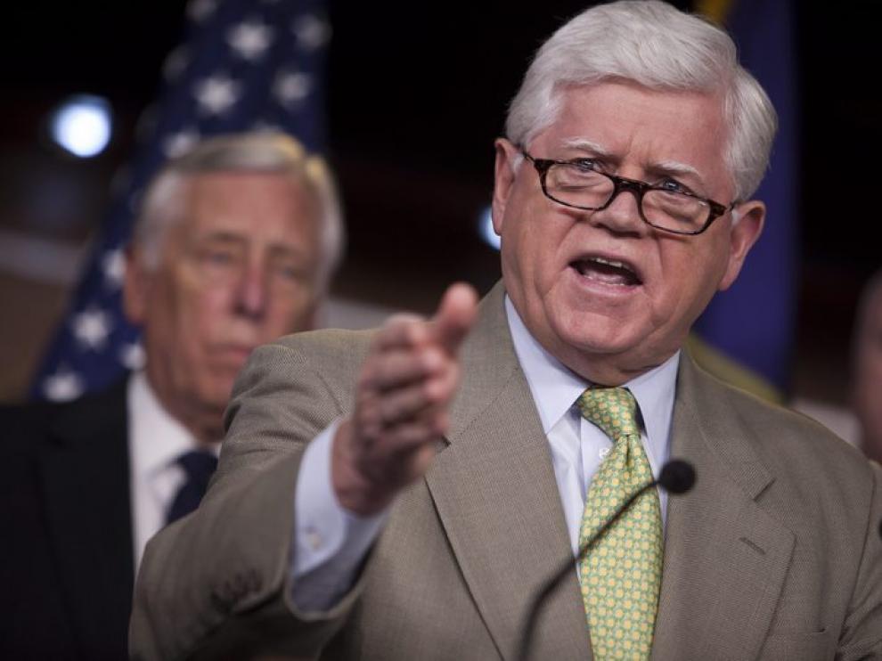 Republicanos y demócratas trabajan por evitar la bancarrota