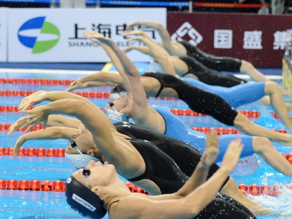 Competición 50 metros espalda