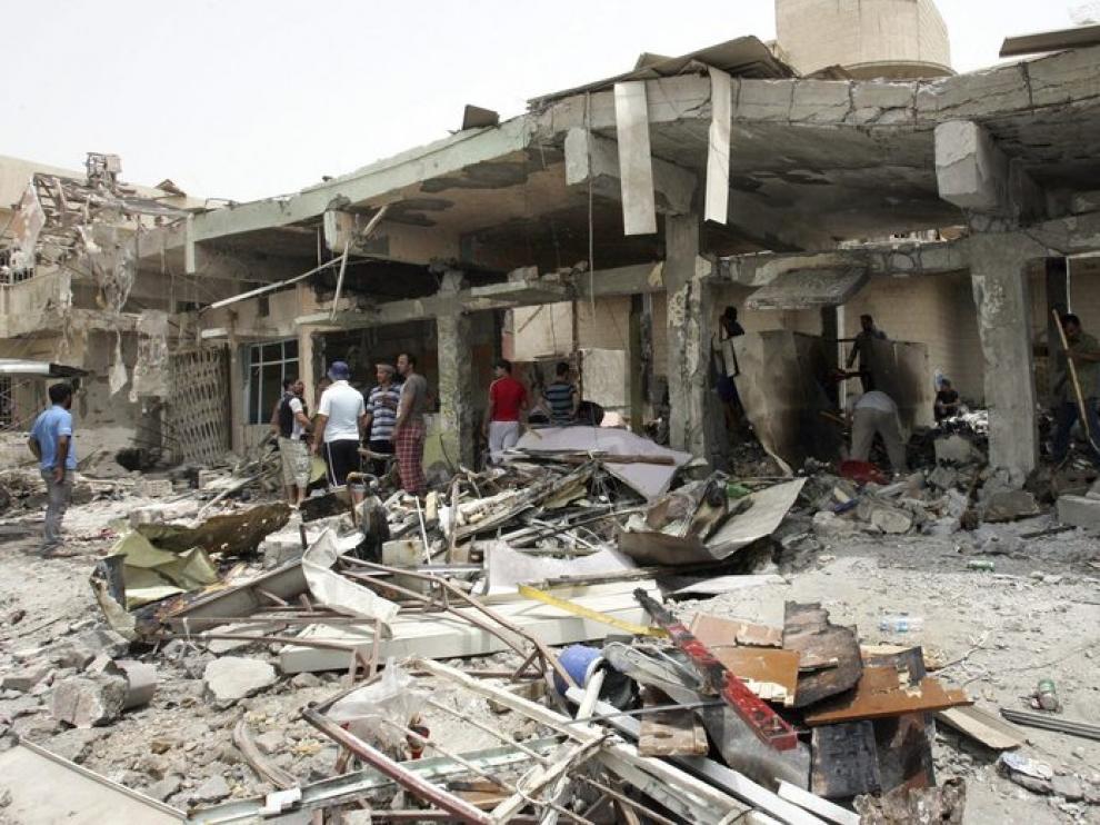 Imagen de la zona devastada por el atentado en Bagdad