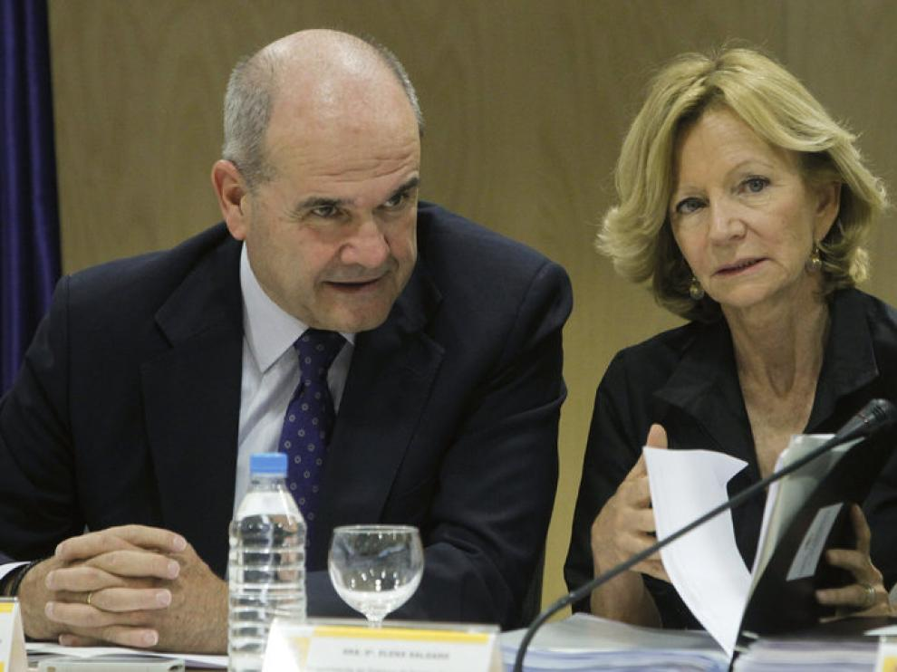 Manuel Chaves y Elena Salgado, durante la reunión de ayer del Consejo de Política Fiscal y Financiera.