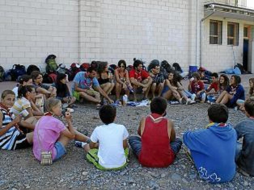 Los scouts de Granada fueron los primeros en llegar a Aínsa.