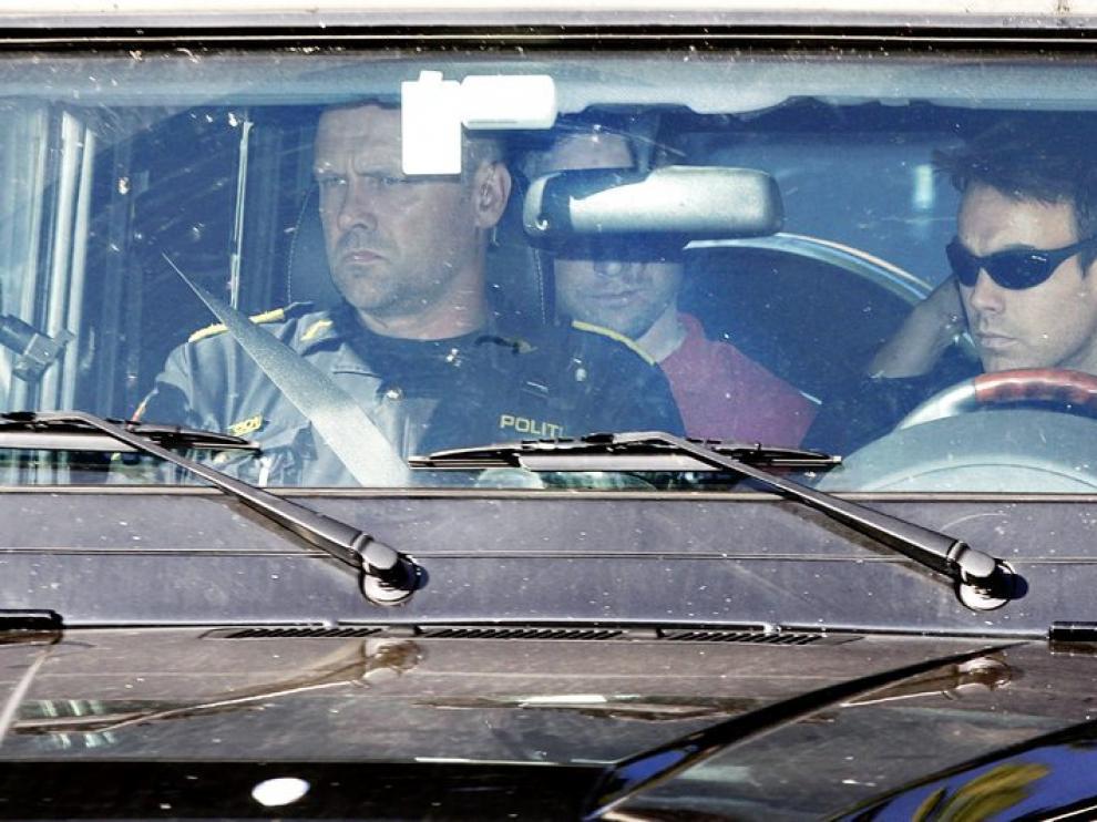 Breivik a su llegada a los juzgados esta mañana