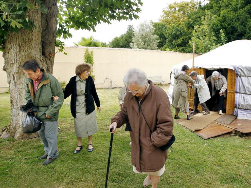 Imagen de archivo de varias personas enfermas de Alzheimer