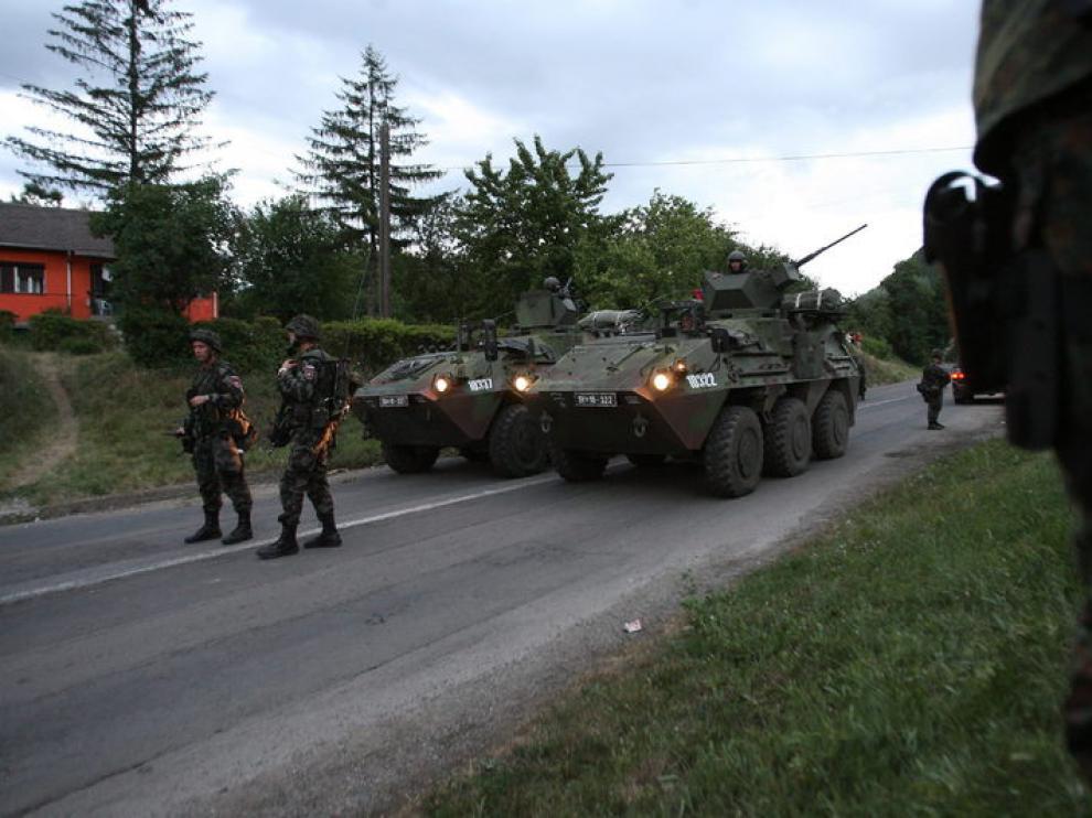 Imagen de archivo de tropas de la OTAN desplegadas cerca de la villa de Rudare, en Kosovo (Serbia)