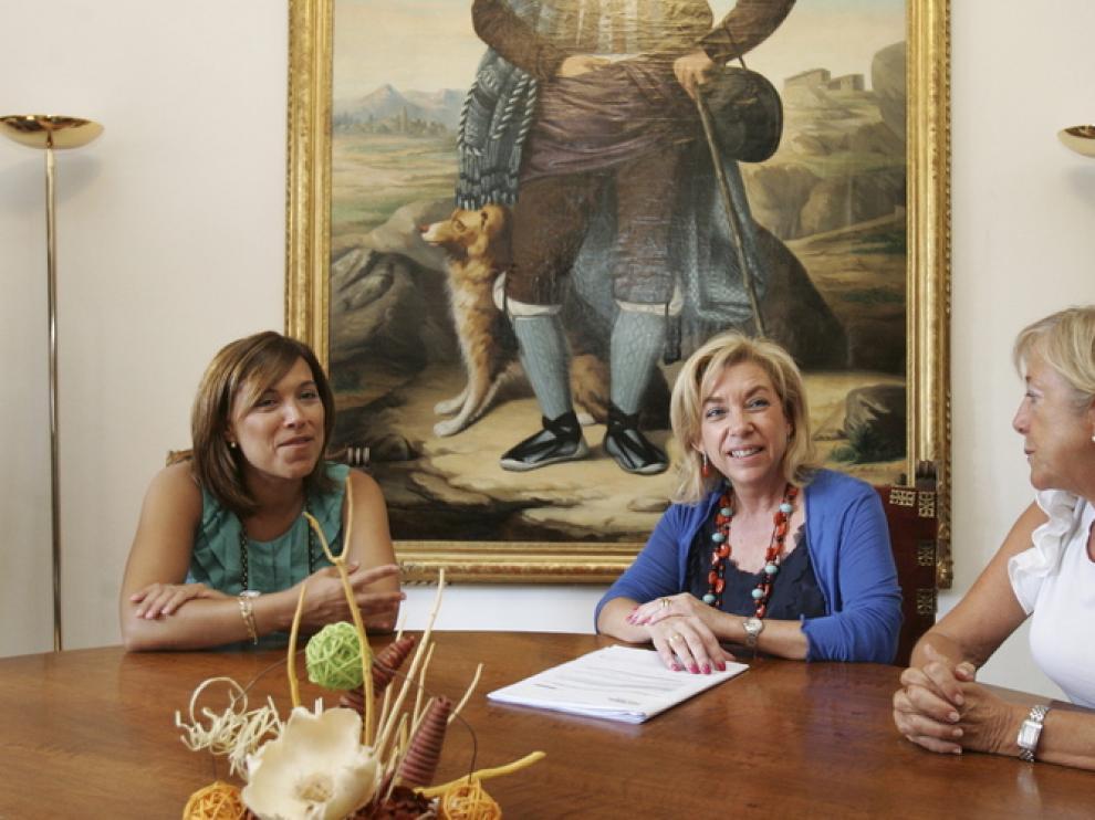 Dolores Serrat, y Ana Alós