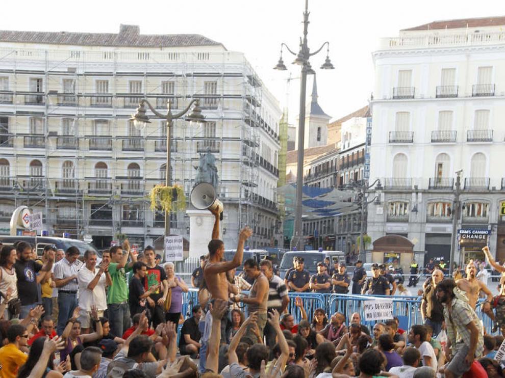 Asamblea de indignados junto a la Puerta del Sol