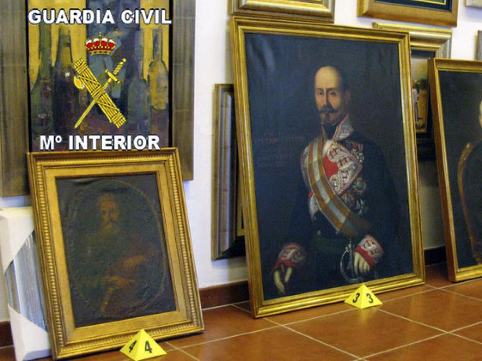 Los retratos de José Méndez y Federico de Madrazo han sido recuperados junto con dieciséis libros de José de Cadalso