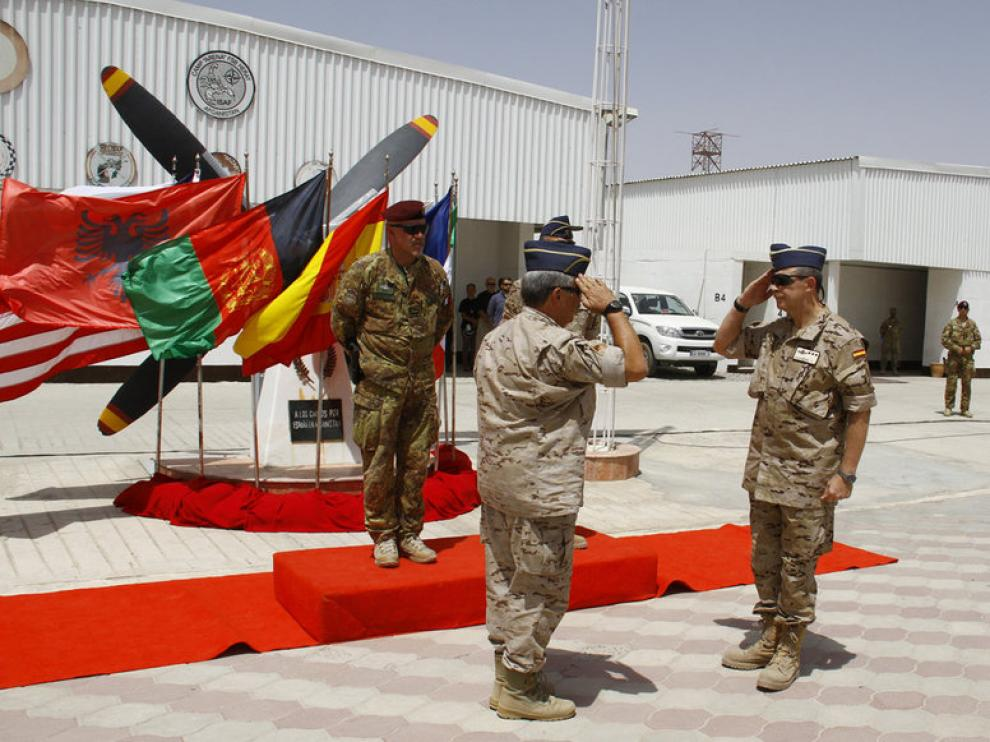 Ceremonia celebrada en la Plaza de España de la base española de Herat