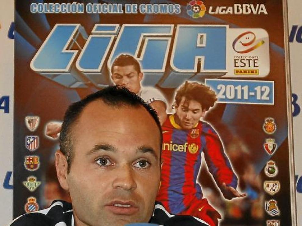 Andrés Iniesta presentó ayer la colección de cromos de la Liga de Panini.