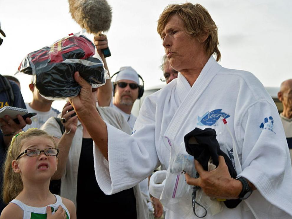 La nadadora Diana Nyad momentos antes de lanzarse al mar en Cuba