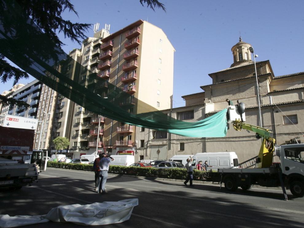 Preparativos para las fiestas de San Lorenzo en Ramón y Cajal de Huesca