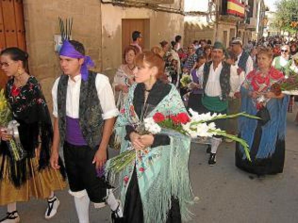 Los maellanos vistieron trajes tradicionales.