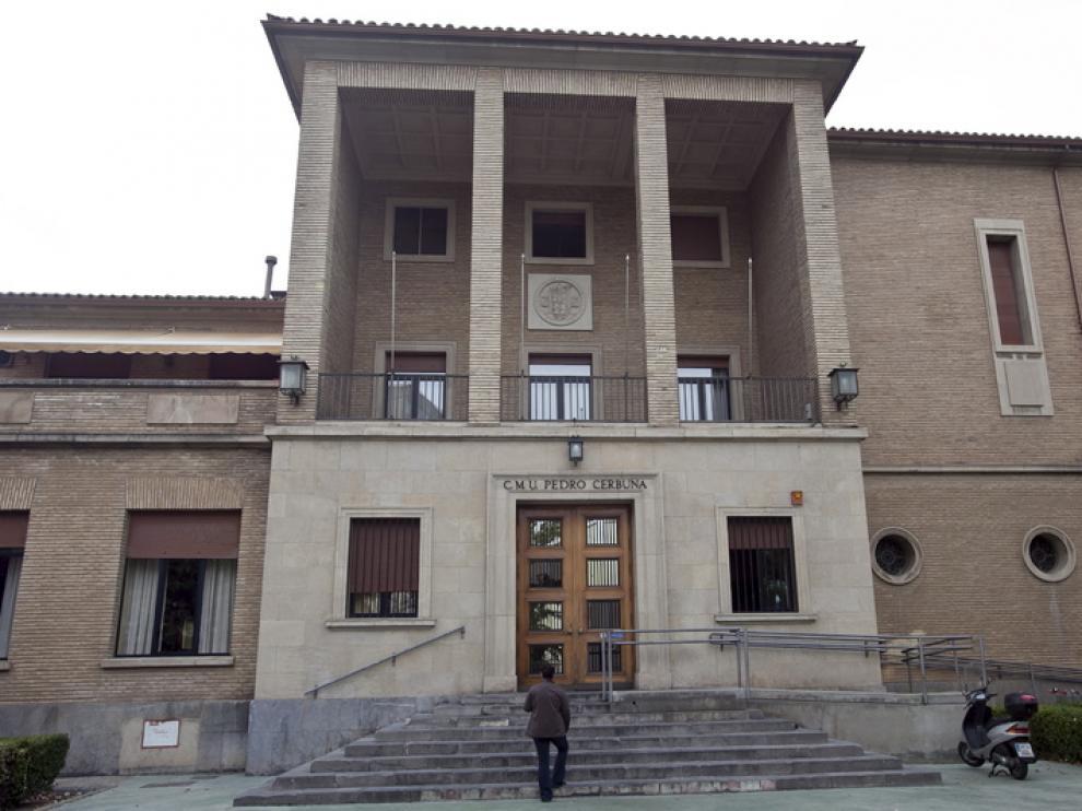 Fachada del Colegio Mayor Pedro Cerbuna