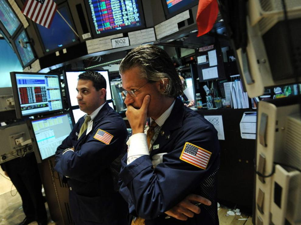 Dos corredores de bolsa, en Wall Street