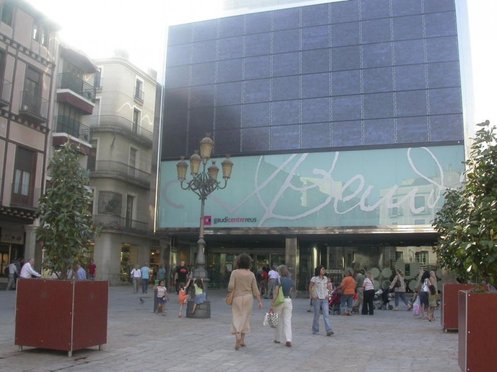 Fachada del Gaudí Centre, en Reus