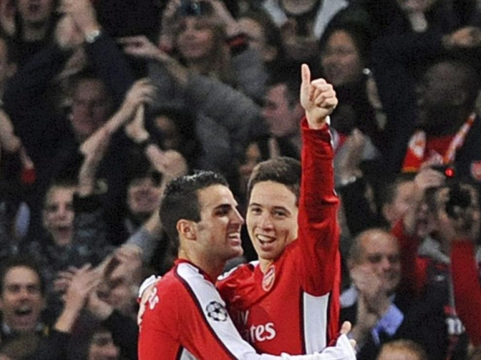 Fabregas y Nasri están en la rampa de salida del Emirates.