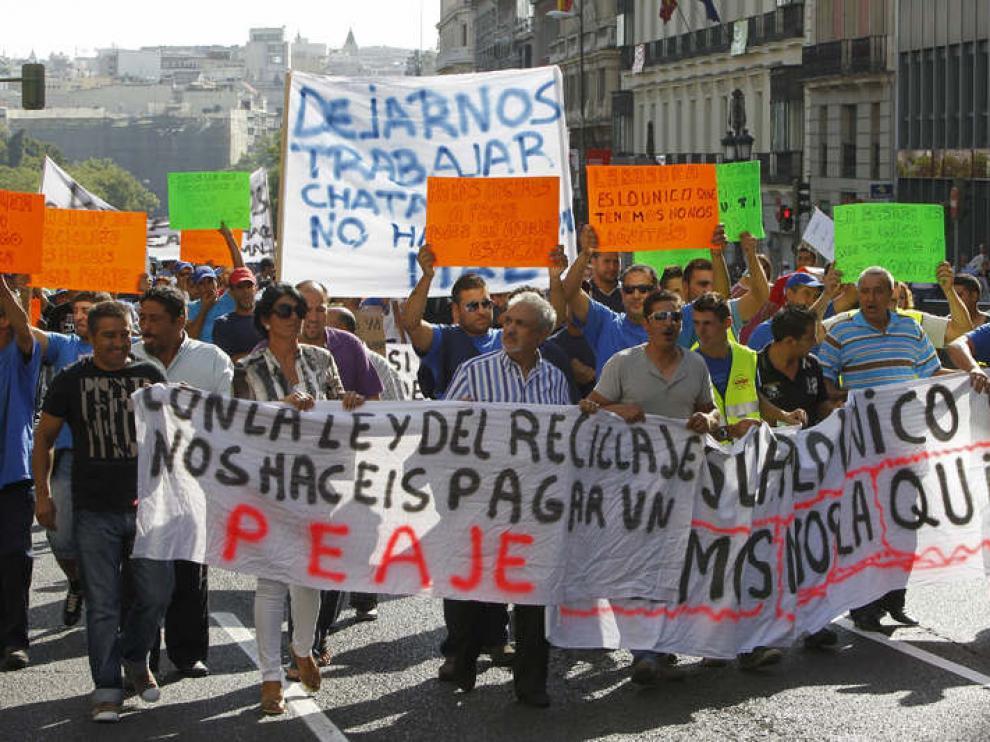Representantes de empresas de reciclaje y chatarreros durante la manifestación