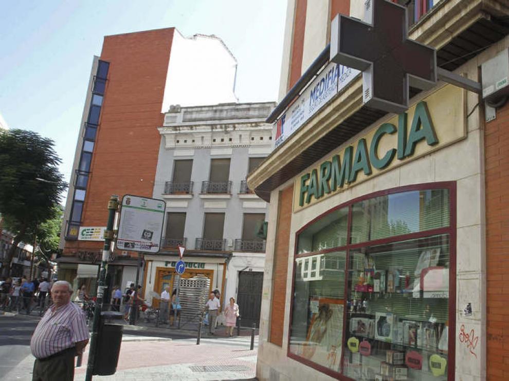 Una de las farmacias de Ciudad Real que ha cerrado sus puertas.