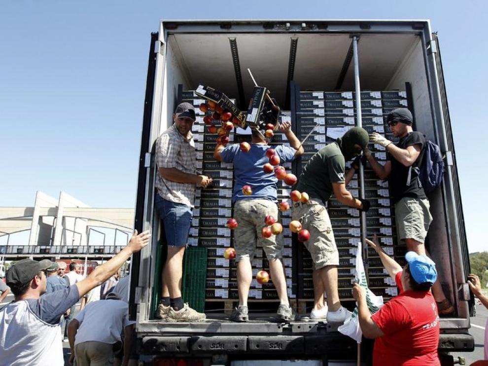 Nuevo ataque a los camiones de fruta y verdura españoles en Francia