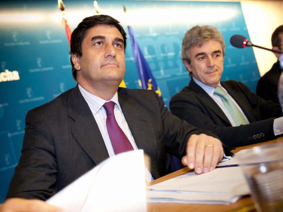 José Ignacio Echniz y Leandro Esteban en la comparecencia en la que se ha analizado la problemática de las farmacias.