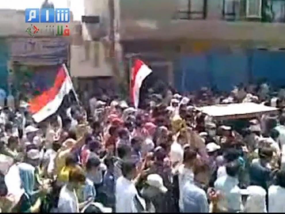 Imagen de youtube de las protestas en Latakia