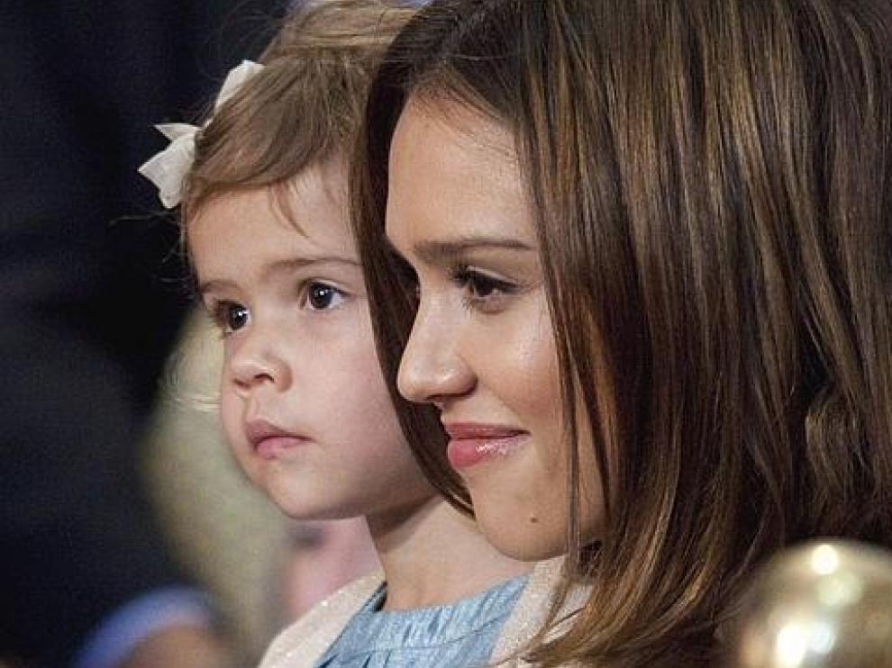 La actriz, con su hija Honor Marie.