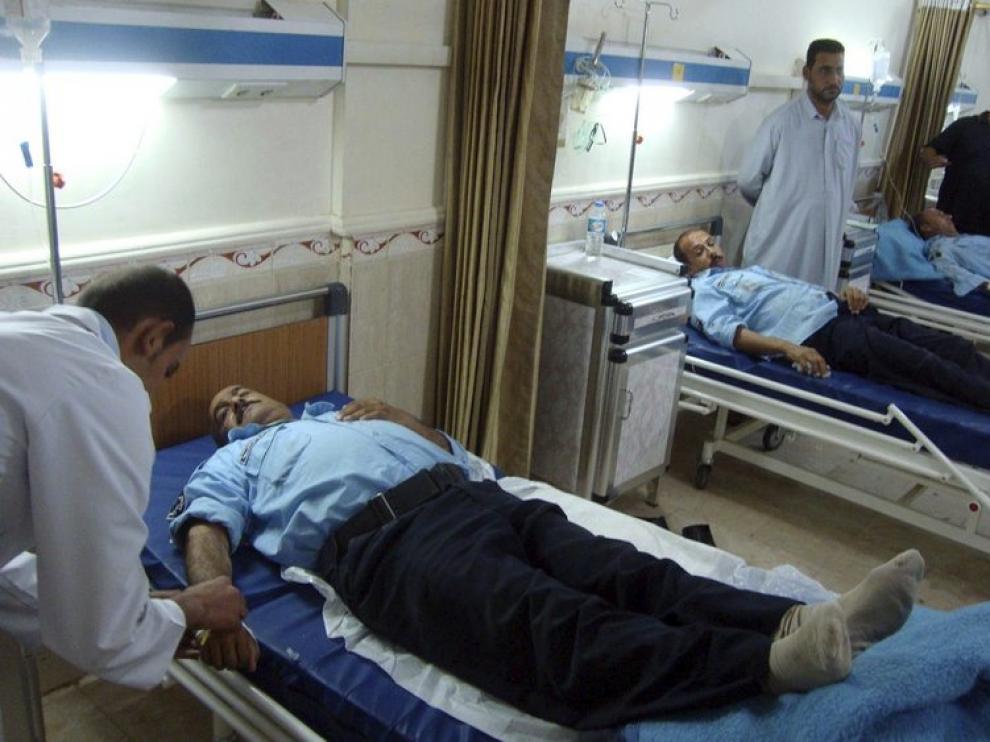 Varios policías reciben tratamiento médico