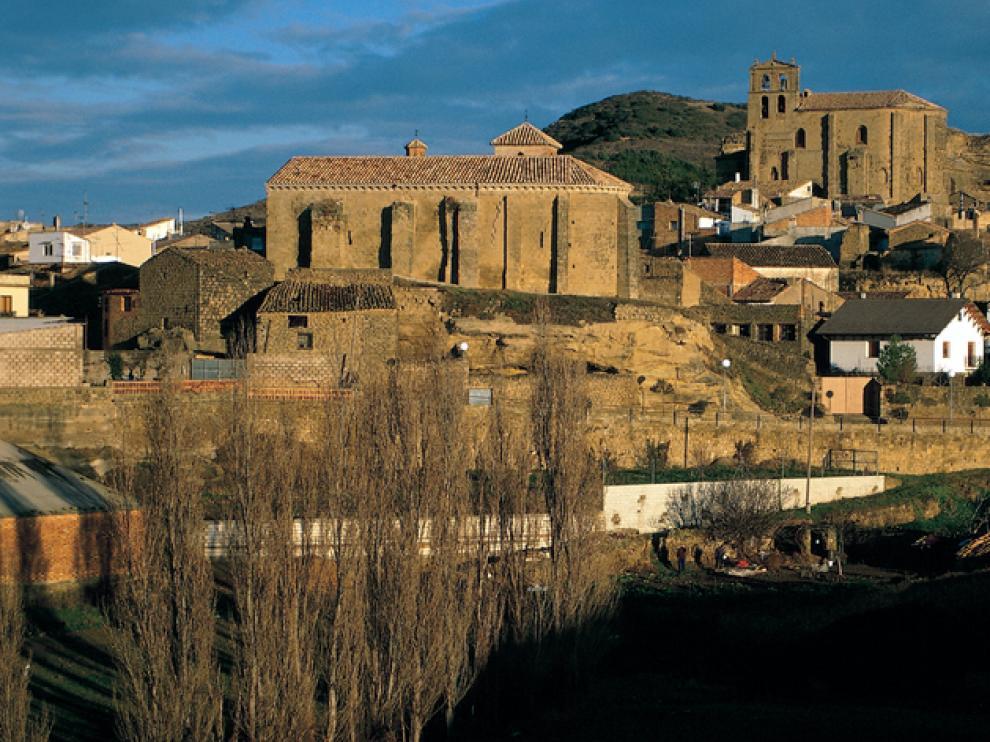 Luesia nos ofrece varios edificios románicos.
