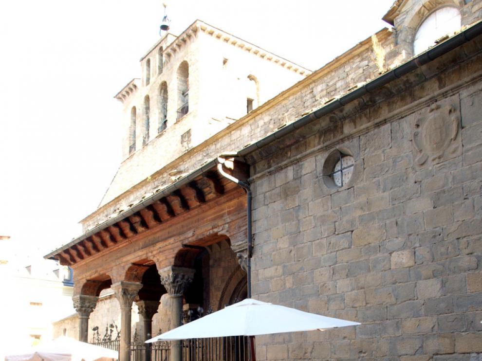 Los puestos de los hortelanos llenaron la plaza de San Pedro.