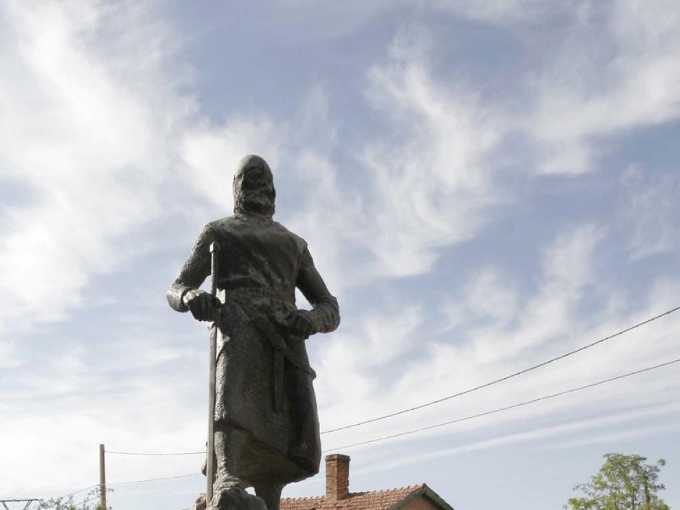 La estatua del Campeador en el Poyo del Cid.
