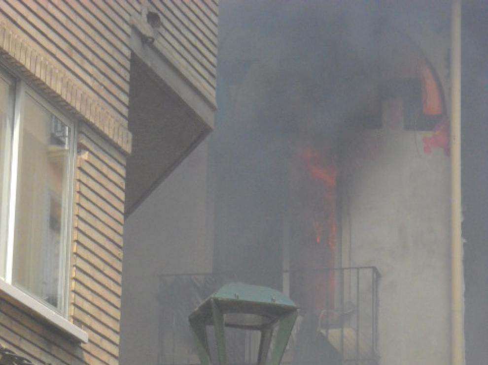 Incendio en la calle de Contamina de Zaragoza