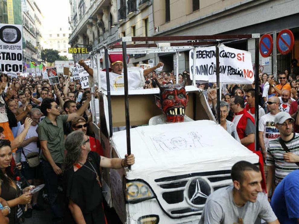 Imágenes de la manifestación contra la visita del Papa.