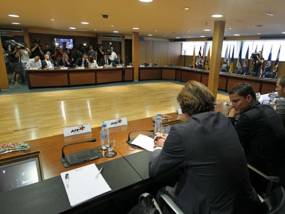 Reunión entre la Asociación de Futbolistas Españoles (AFE) y la Liga de Fútbol Profesional (LFP)