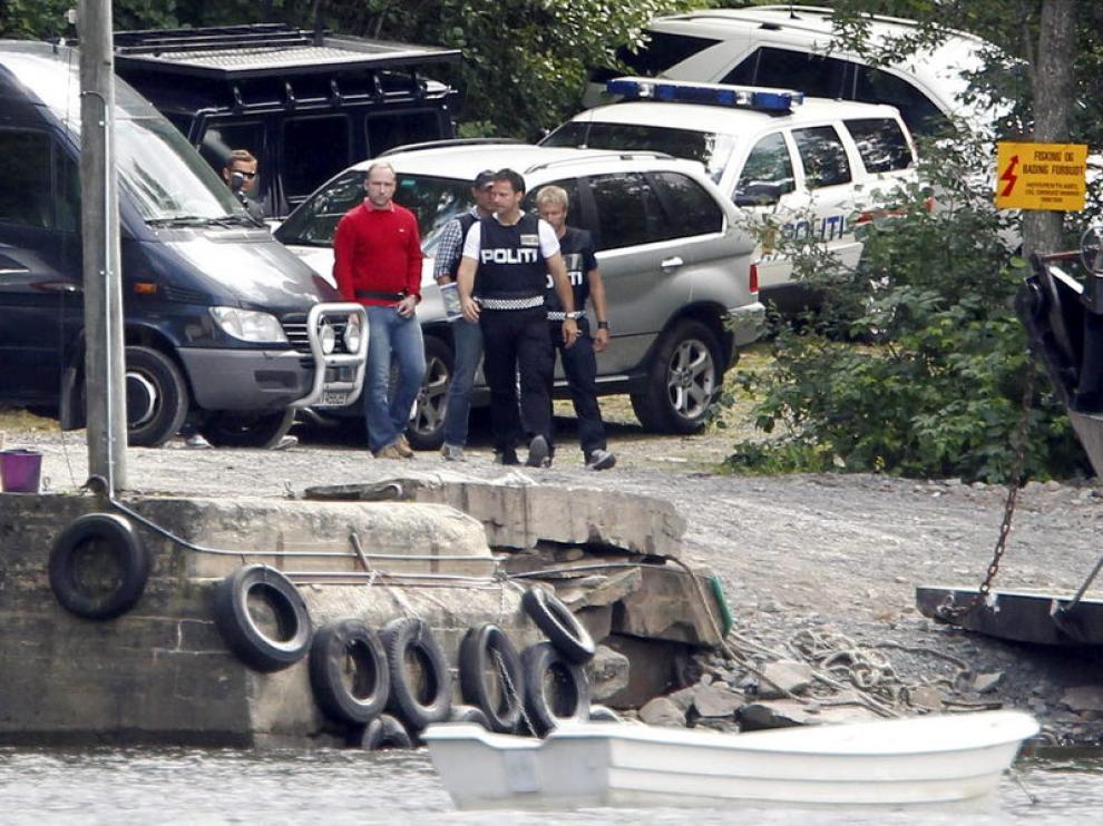 Breivik escoltado por la Policía
