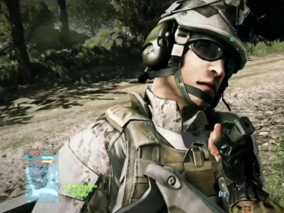 Una escena en la que un soldado apuñala a otro