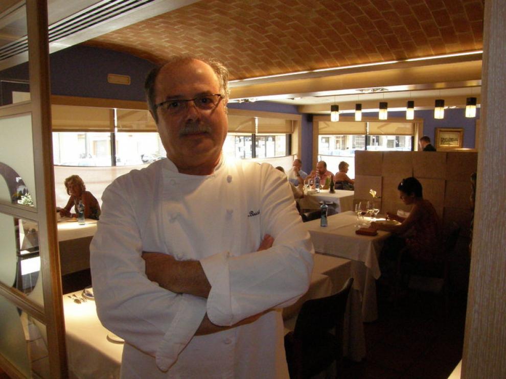 Joan Bosch en su restaurante de la calle Rambla Jaume I de Cambrils