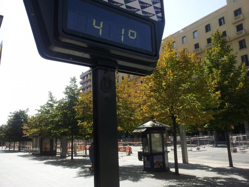 Térmometro situado en el centro de Zaragoza durante el mes de junio