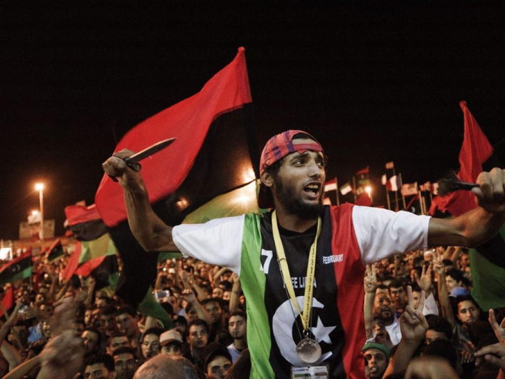 Los rebeldes celebran la victoria en Trípoli