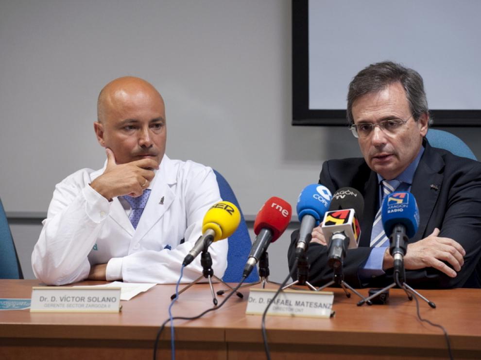 El director de la Organización Nacional de Trasplantes, Rafael Matesanz, a la derecha