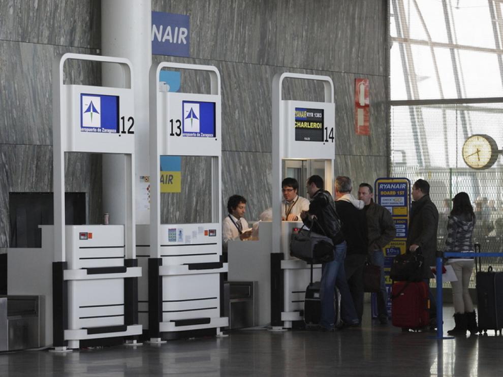 Interior del aeropuerto de Zaragoza.
