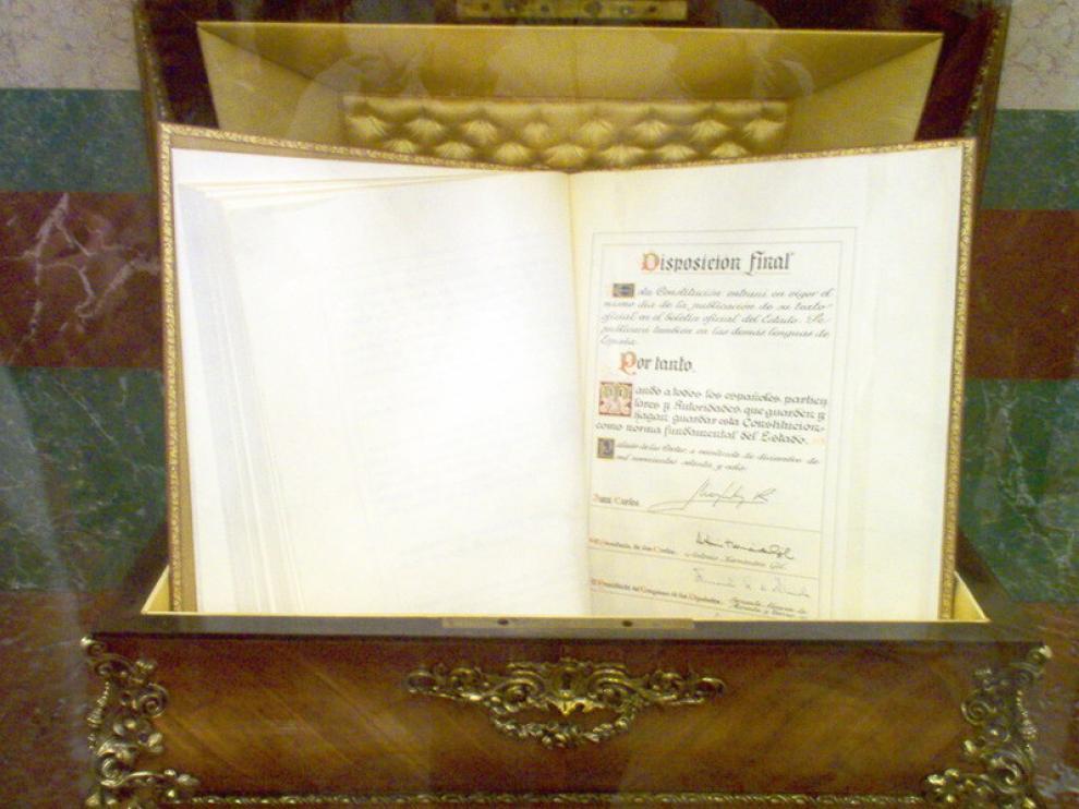 Ejemplar de la Constitución conservado en el Congreso de los Diputados
