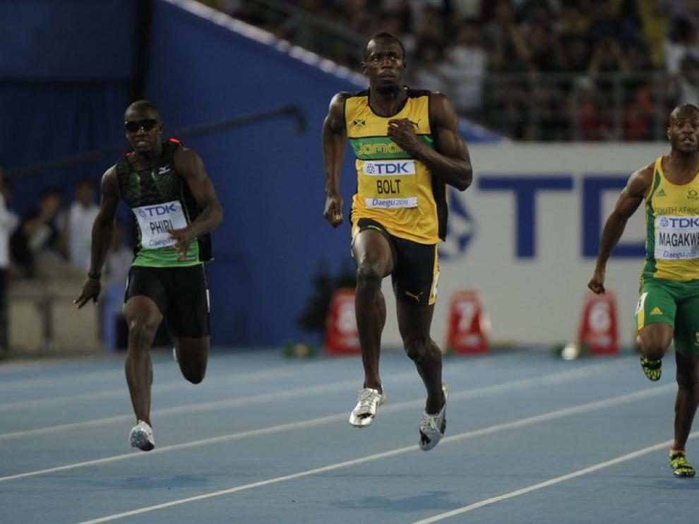 Bolt ganó su primera carrera sin ninguna dificultad