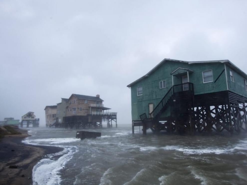 Varias casas sufren el azote de Irene en Nags, Carolina del Norte.