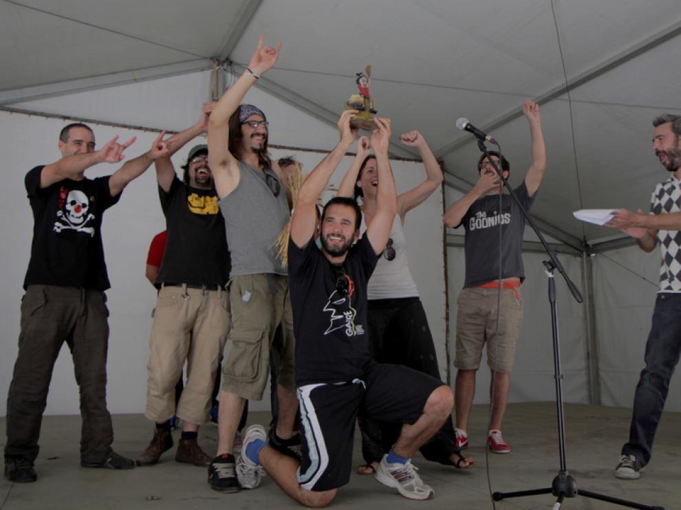 Los ganadores del videominuto celebran su éxito