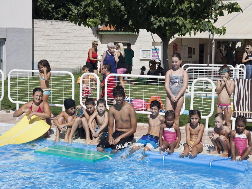 Mientras tanto, los más jóvenes disfrutaron en las piscinas.